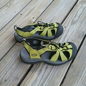 KEEN Closed Toed Sandals